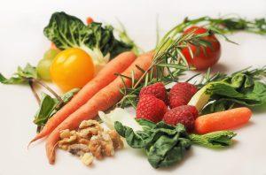 carrot-kale-walnuts-tomatoes