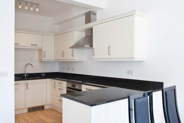39 Rotherslade kitchen photo