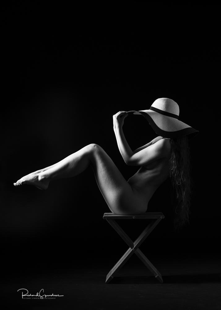 Madame bink seated sun hat shapes