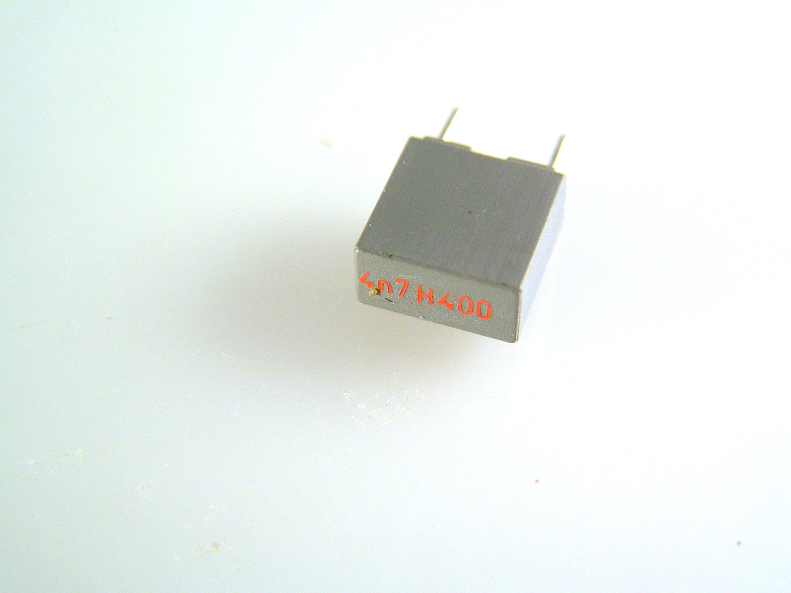 Box Polyester Capacitor 4n7 400v 5mm Pitch 10 pieces OL0532