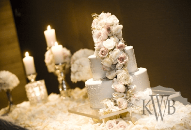Cascade cake decor
