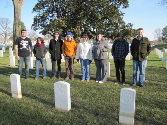 VCU students at Richmond National Cemetery