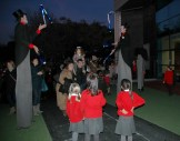 jugglers and people entering3