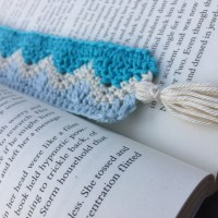 Making Waves Bookmark - Free Crochet Pattern