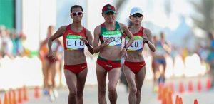 lupita leading the olympic 20k walk