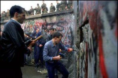 tearing down the berlin wall