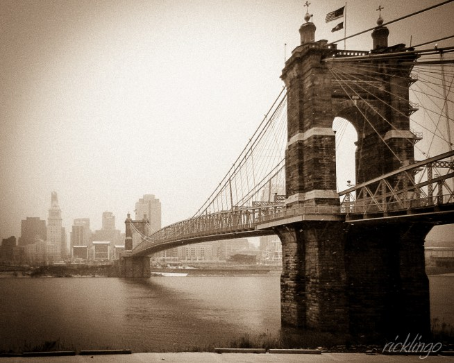 "From Covington, Kentucky, to Cincinnati, Ohio. Awarded ""Photo of the Day"" by capturecincinnati.com."