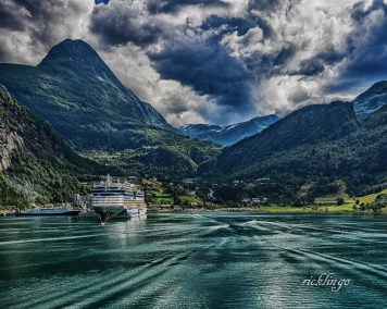 """Norway. """"Judges"""" Commendation"""" in Scandinavia challenge on international website Photocrowd. 6 Peer Awards on the website ViewBug. 9th place winner in """"Open Spaces"""" challenge on international website Pixoto."""