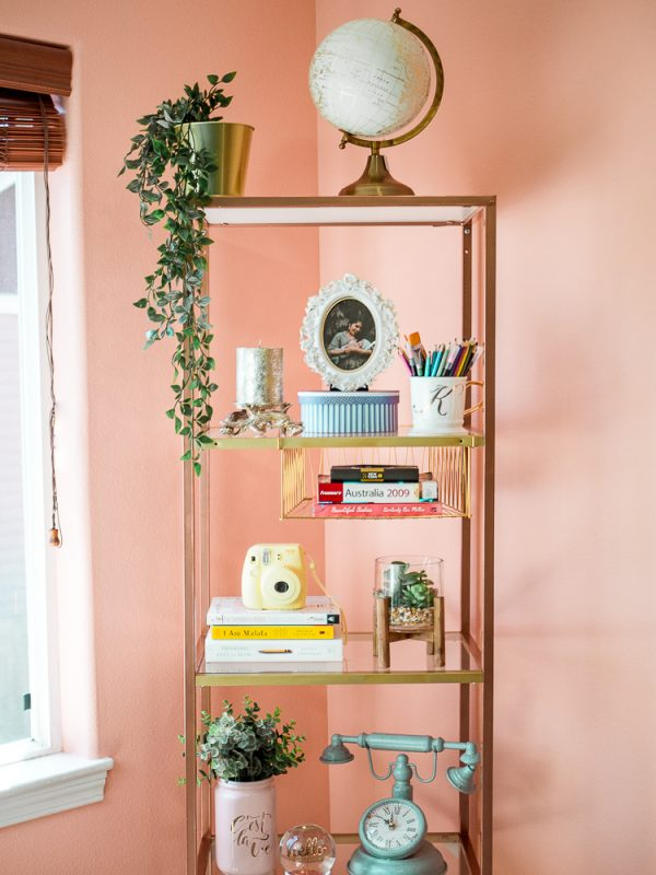 A DIY bookshelf décor ideas