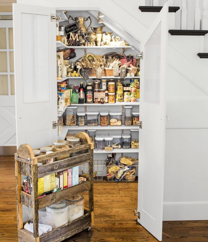 l shaped kitchen with butlers pantry