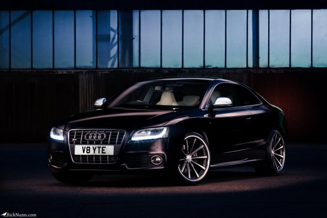 Light Painted V8 Audi S8