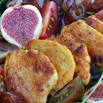 Ensalada de pollo cajún con higos