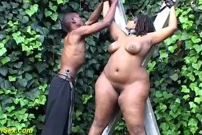 Extrema bbw africanas al aire libre