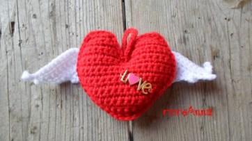 cuore a crochet con ali1