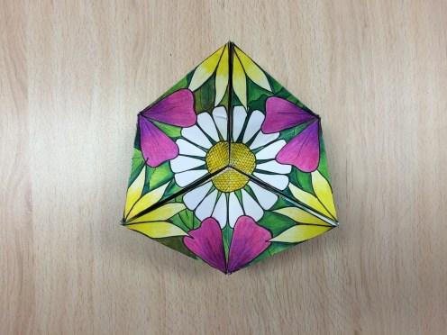 Calidociclo hexagonal por Leire González, 4º ESO