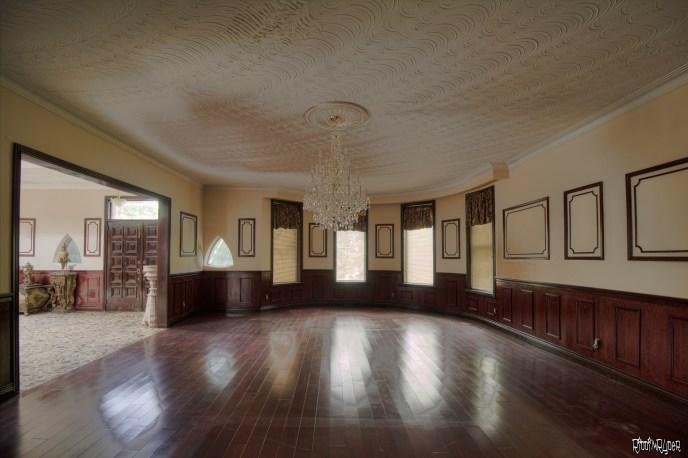 Mansion family room