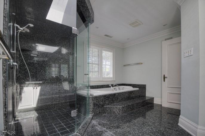 Master mansion bathroom