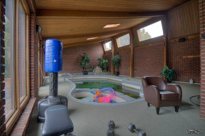 abandoned mansion Pool Room