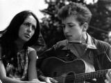 Joan Baez : une icône de la musique Folk, une star de l'humanité