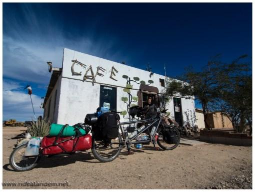 24/7 Cafe in der Wüste