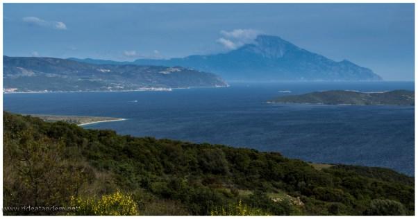 Der Berg Athos, auf der Mönchs-Insel, viel näher kommen wir nicht ran, anschauen ist aber OK