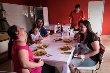 Hotel Tuti Crew beim Mittag