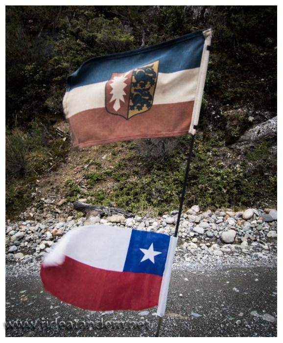 Ab jetzt mit offizieller Chile-Fahne unterwegs.