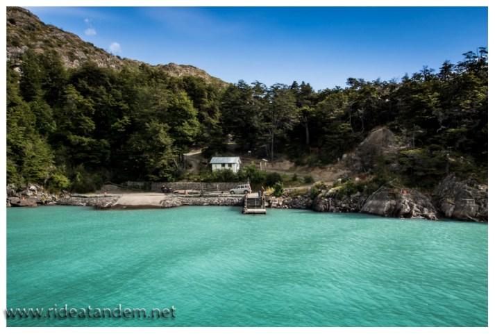 Unser Zielhafen Candelario Mancilla. Eigentlich ist da nix. Naja eine Hütte und eine Farm.