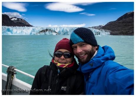 Kalt ist es am Gletscher, wahrscheinlich auch keine Badetemperatur.