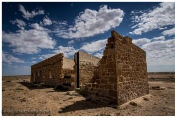 Und Ruinen, Ruinen