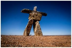 Diese Steinfigur erinnert irgendwie an die olympischen Spiele in Vancouver, was immer dieser im australischen Outback sucht...