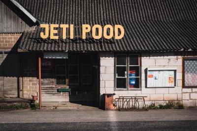 Der Supermarkt heisst POOD in Estland, manchmal kaum zu erkennen als Supermarkt