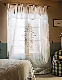 Le rideau précieux pour fenêtres