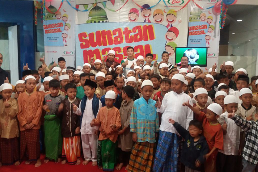 Mass Circumcision in Bekasi Junction and Lottemart Bintaro