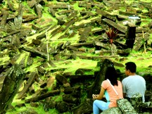 Duduk Berdua Kekasih di Situs Gunung Padang Desa Karyamukti, Kecamatan Campaka Cianjur, Jawa Barat