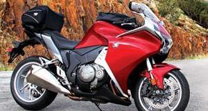 2010-Honda-VFR1200F-First-Ride