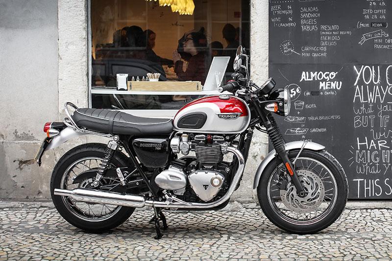 2016 Triumph Bonneville T100/Black