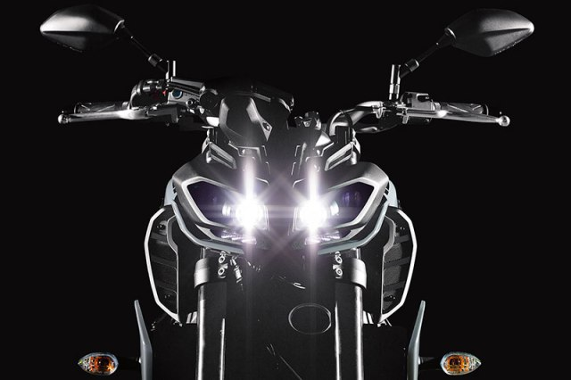 The 2017 Yamaha FZ-09's dual LED headlights are like the ones on the FZ-10.