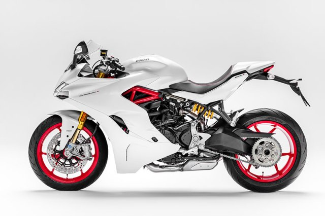 The Ducati SuperSport S has fully adjustable Öhlins suspension, Ducati Quick Shift and a color-coordinated rear seat cover. In addition to Ducati Red it is available in Star White Silk.