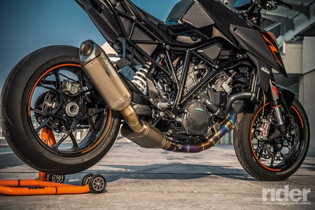 The Super Duke R's engine was reworked with a new cylinder head and intake.