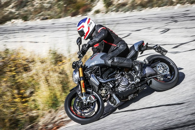With an inch shorter wheelbase and tighter steering geometry, the new Monster 1200 S is more nimble in tight, technical corners.