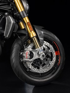 The Ducati Monster 1200 S gets fully adjustable Öhlins suspension and Brembo M50 monobloc radial calipers.