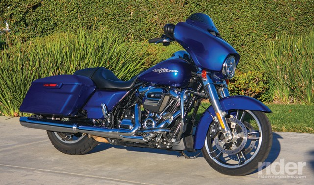 To improve passenger comfort, the rear exhaust header was repositioned and the catalytic converter was moved. Overall, the air/oil-cooled Milwaukee-Eight 107 runs much cooler than the Twin Cam 103.