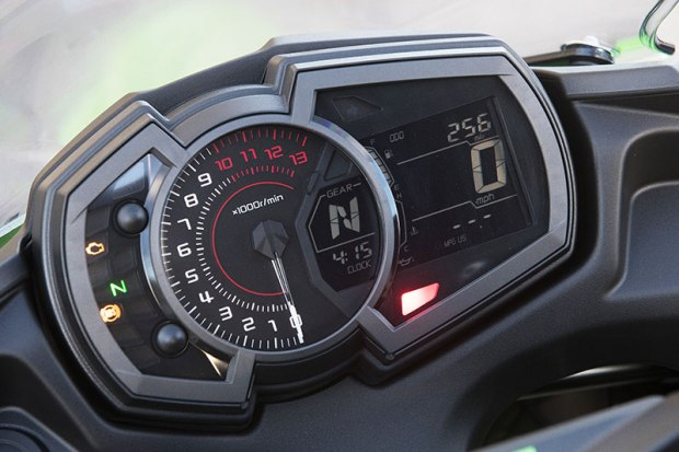 2017 Kawasaki Ninja 650 instrument panel