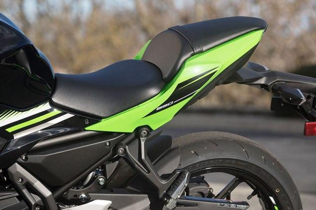 2017 Kawasaki Ninja 650 seat