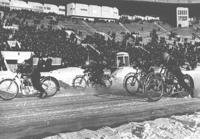 Old ice racing picture