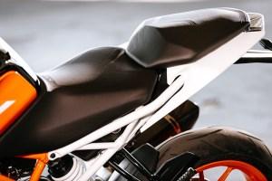 2017 KTM 390 Duke seat
