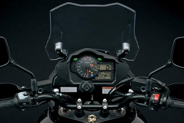2018 Suzuki V-Strom 1000 cockpit