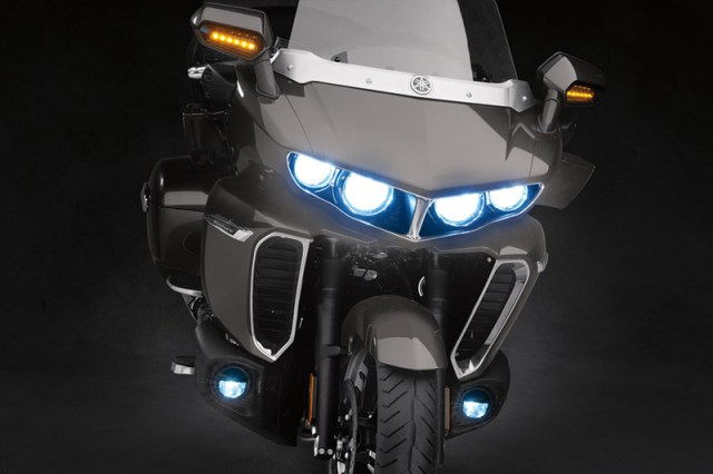 2018 Yamaha Star Venture LED lights