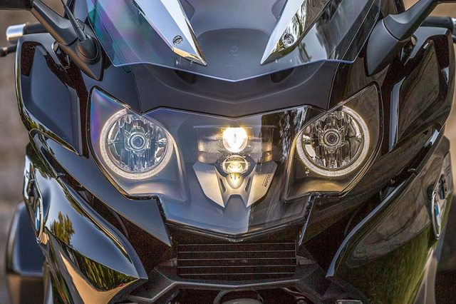 2018 BMW K 1600 B Adaptive headlight
